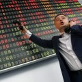 Акции Сбербанка и ВТБ оправдали прогнозы: бумаги ВТБ на Лондонской бирже растут на 4,1%, Сбербанка - на 5%