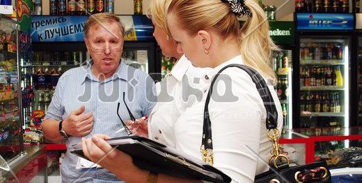 Роспотребнадзор получил право проверять магазины и общепит без уведомлений