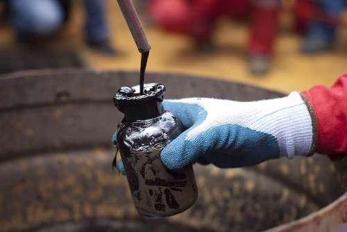 Нефть дорожает. Отреагирует ли рубль?