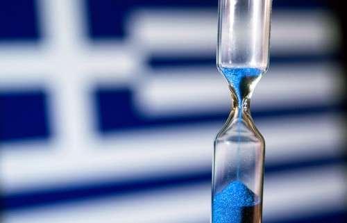 Греция отсрочила дефолт на один день