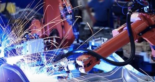 Обрабатывающая промышленность в июле опять упала
