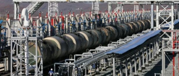 ФТС: доходы России от экспорта нефти за полгода упали в 1,7 раза