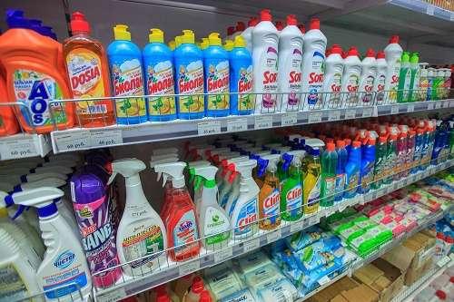 Розница снимает с продажи «вредную» бытовую химию