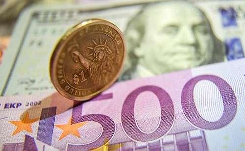Эксперты ВШЭ прогнозируют дефицит валюты в России